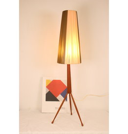 Deens design teak houten driepoot tafellamp