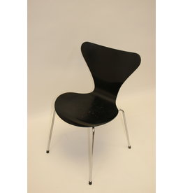 Arne Jacobsen  vlinderstoel model 3107
