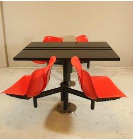 tecno Osvaldo Borsani moderne tafel en 4 ingebouwde stoelen voor Tecno, jaren 70