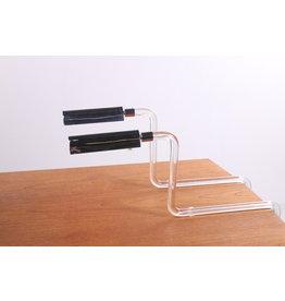 Set van 2 twee liggende tafellampen van plexiglas.