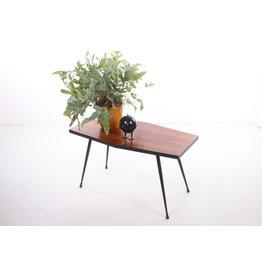 Pallisander plantentafel of bijzettafel met mooie zwart metalen poten.