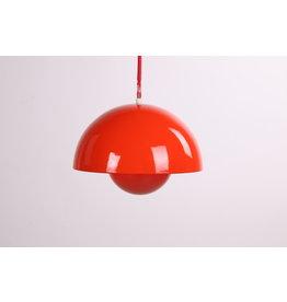 Bloempotje hanglamp van Verner Panton voor Louis Poulsen Denemarken 1969