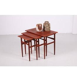 Deense set teak bijzet tafels gemaakt door Dyrlund, 1960