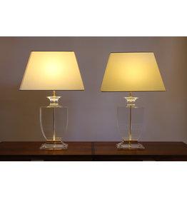 Set Hollywood Regency Tafellampen van Plexieglas met witte kap jaren70s.
