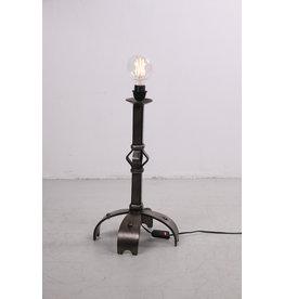 Grof metalen stoere Brutalischtische vloerlamp