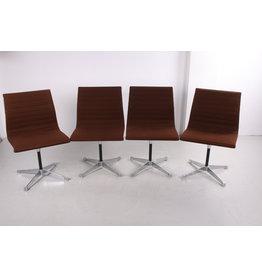 Set van 4 Aluminium stoelen model ea 106 Charles&Ray Eames