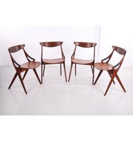Set van 4 teakhouten stoelen model 17, Arne Hovmand Olsen voor Mogens Kold, jaren 50