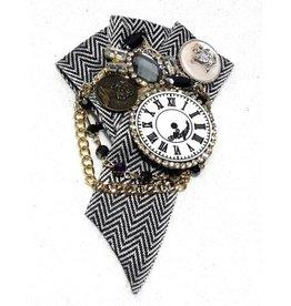Dark Desire Gothic Steampunk Brooch Clock