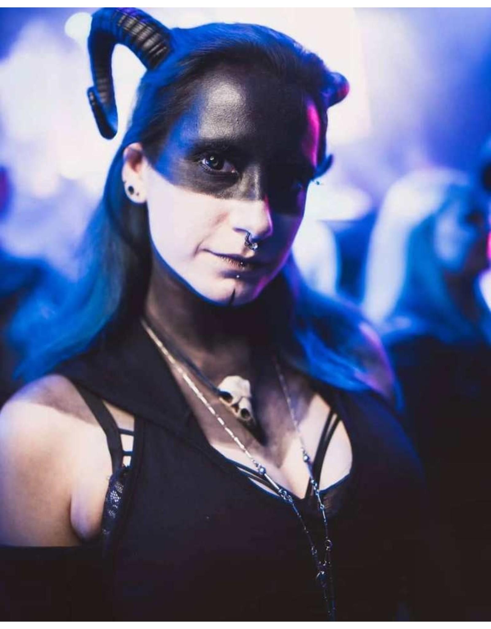 Restyle Gothic en Steampunk accessoires - Ram Hoorns Gothic en Fantasy haarband Sinister