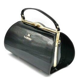Lamsed Vintage style lacquer handbag black