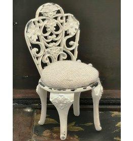 Miniatuur barok stoeltje Miniature chair Baroque style (pincushion)