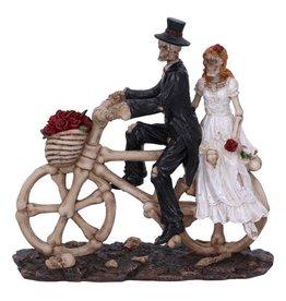 Nemesis Now Hitch a ride skeleton couple on bike