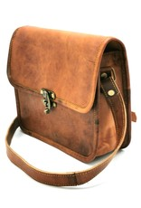 schoudertas steampunk stijl Leather Shoulder bags  Leather crossbody bags - Leather shoulder bag with cover Steampunk style (cognac)
