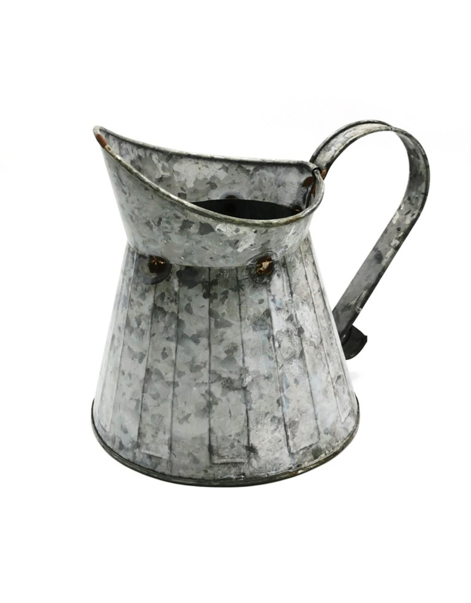 Brokante Metalen Kan Miscellaneous - Brocante Metal Jug with rust