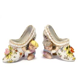 Trukado A pair of porcelain Rococo style Mules