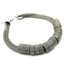 Trukado Gevlochten design halsketting zilverkleurig, nikkelvrij