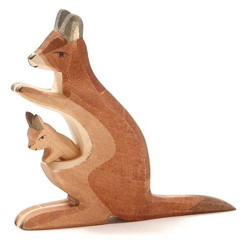 Ostheimer Ostheimer Kangoeroe met kleintje in de buidel