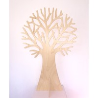 Speelbelovend Grote houten boom