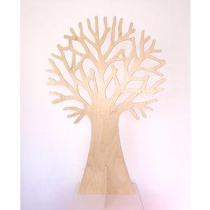 Speelbelovend Speelbelovend Grote houten boom