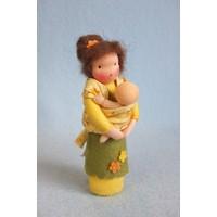 Atelier Pippilotta Moeder met draagdoek