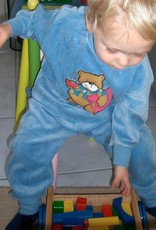 Lunatex Lunatex velours baby pyjama afbeelding Beer kleur blauw & roze