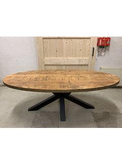 Doinq Ovale tafel gebruikt oud hout