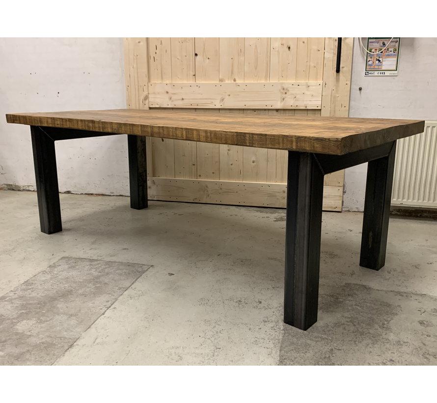 Eettafel rechthoekig oud hout met stalen onderstel  * Gratis thuis bezorgd!