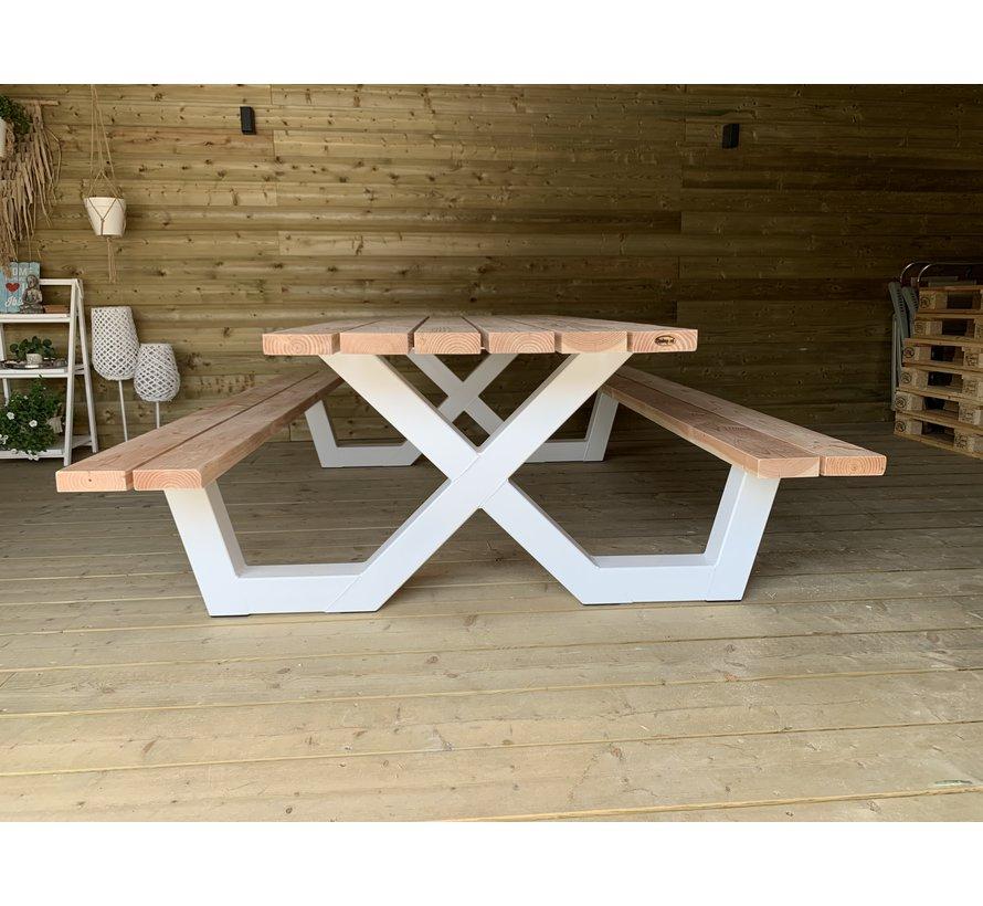 Picknicktafel met stalen X onderstellen (aantal types op voorraad)