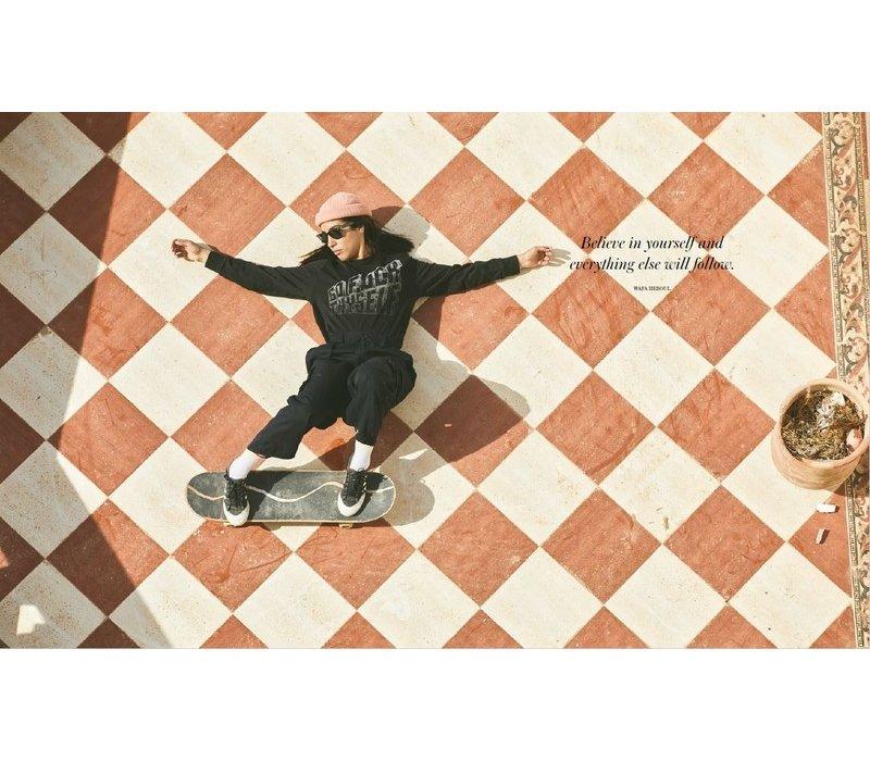 Skate Like a Girl - Carolina Amell