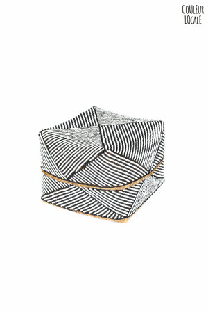 Offer basket beaded white / black
