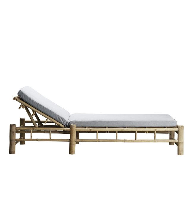 Bamboe ligbed met grijze matras