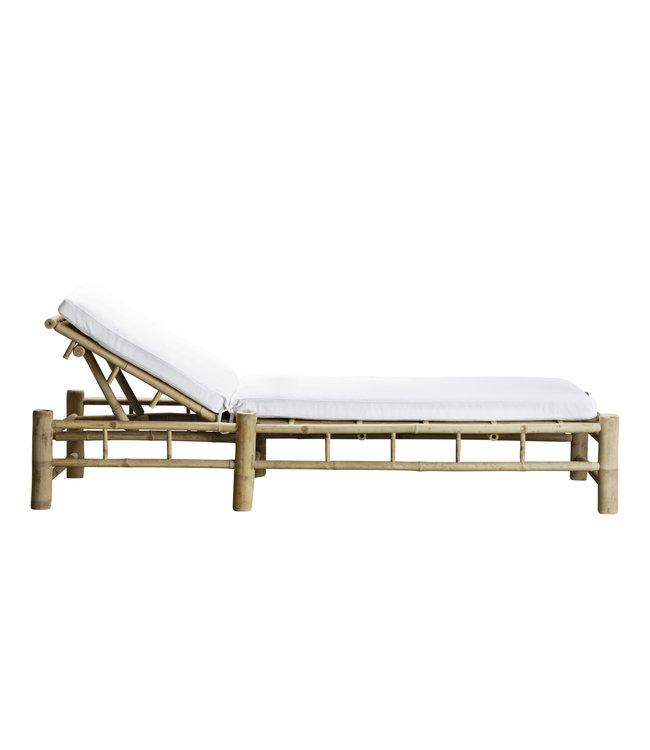 Bamboe ligbed met witte matras