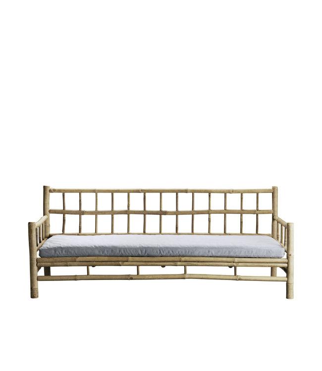 Bamboe lounge zetel met grijze matras
