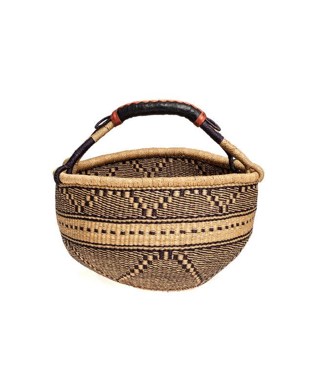Bolga basket with leather handles - pattern