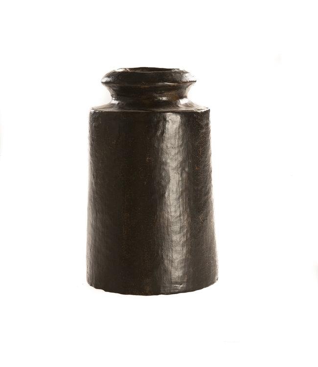 Medium sized vase black terracotta