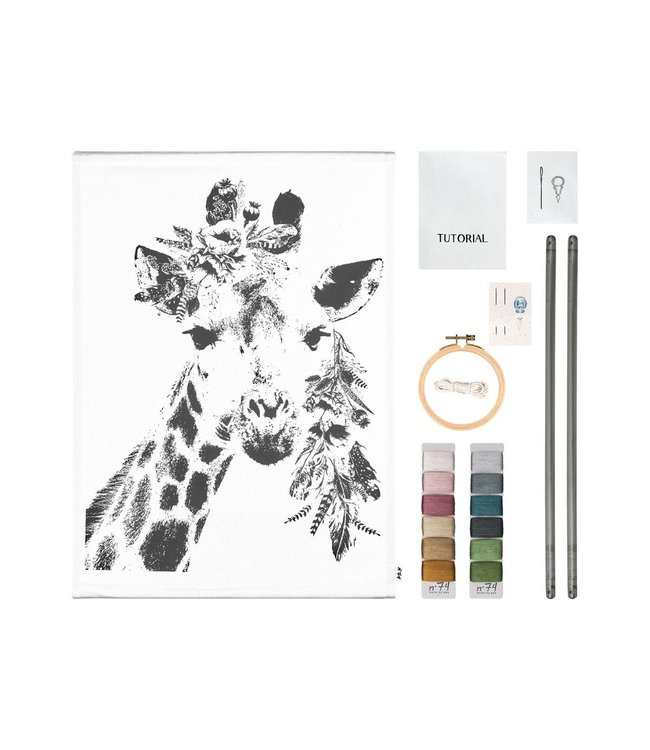 Numero 74 Crazy animal embroidery kit - giraffe