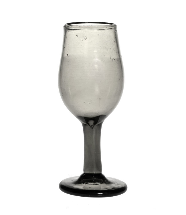 Mouth blown wine glass - transparent