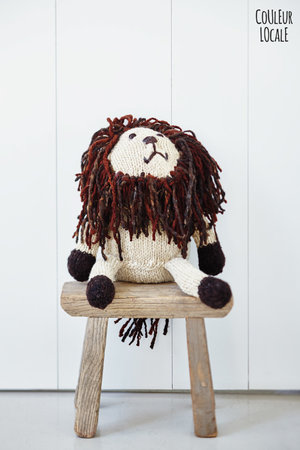 Kenana Knitters Woolen lion with long manes