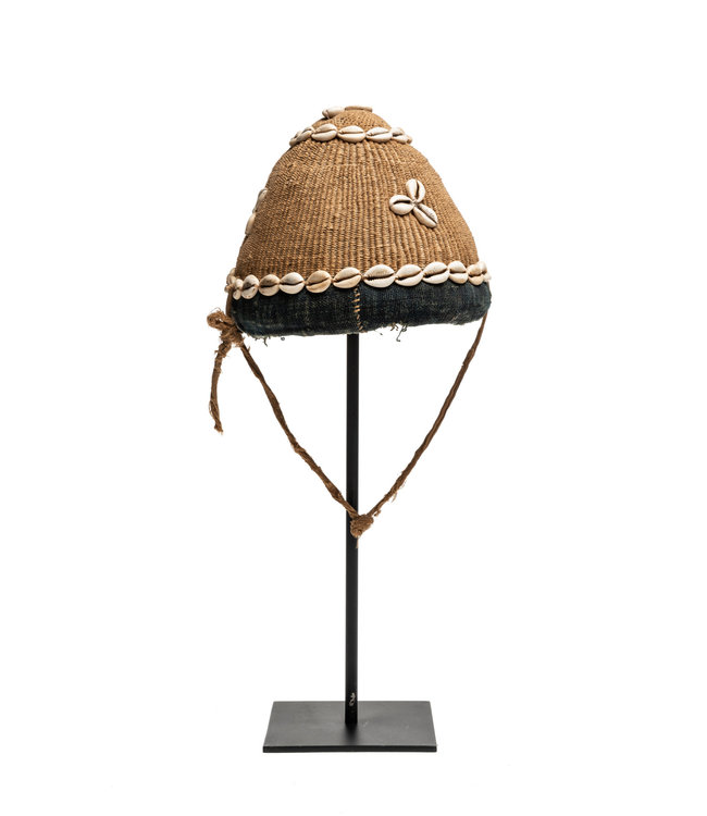 Tribaal hoedje met schelpen - Bamileke, Kameroen