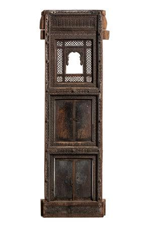 Oud gesculpteerd wandpaneel Haveli met deurtjes