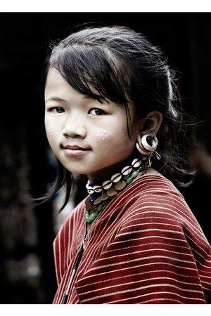 Serge Anton - Girl Thailand - color