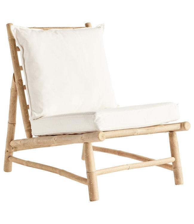 Bamboe stoel met witte kussens