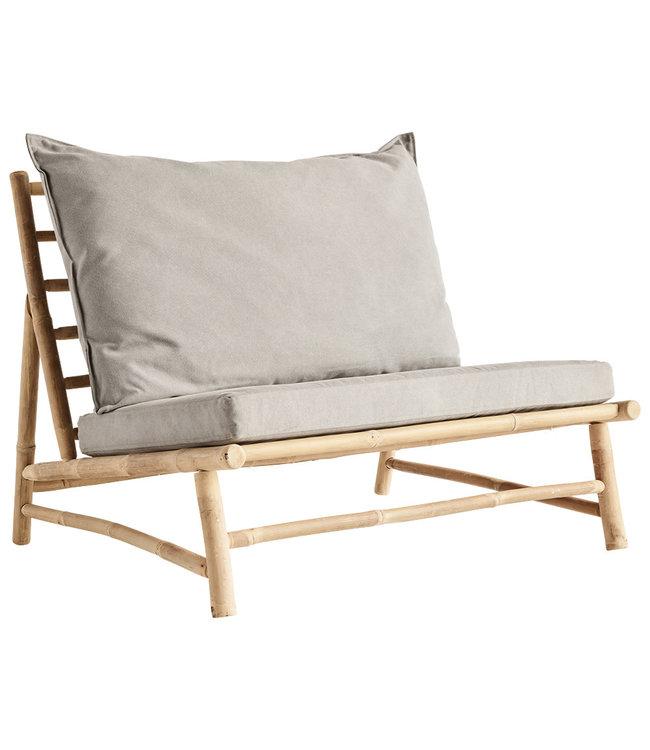 Bamboe lounge stoel met grijze kussens