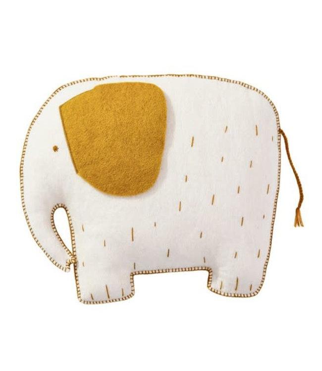 Pasu felt cushion elephant - natural