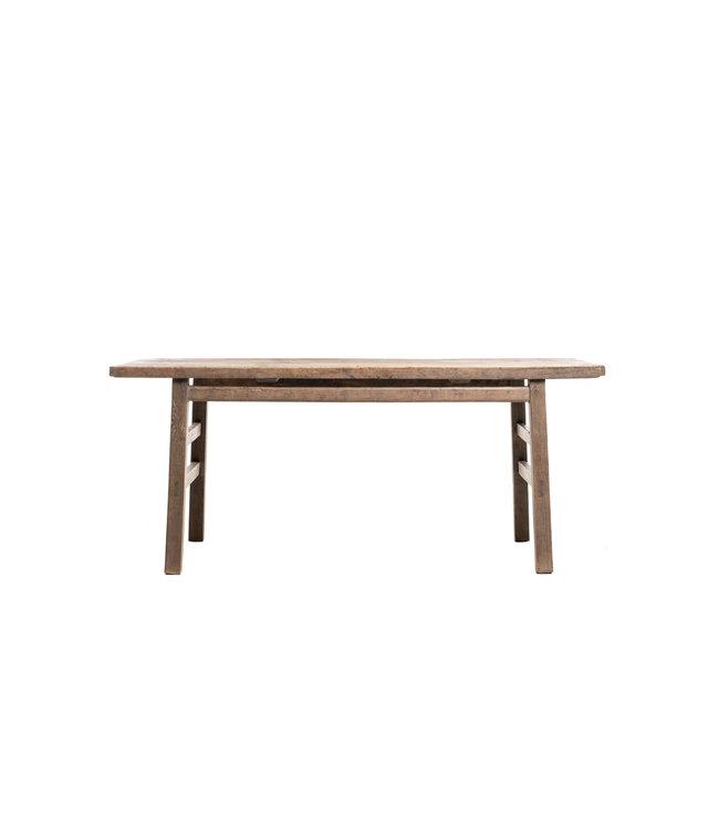 Oude tafel verweerde olm
