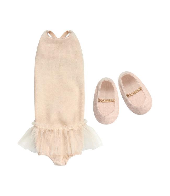 Medium, ballerina suit
