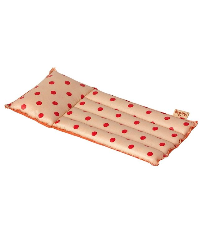 Air mattress, mouse - red dot