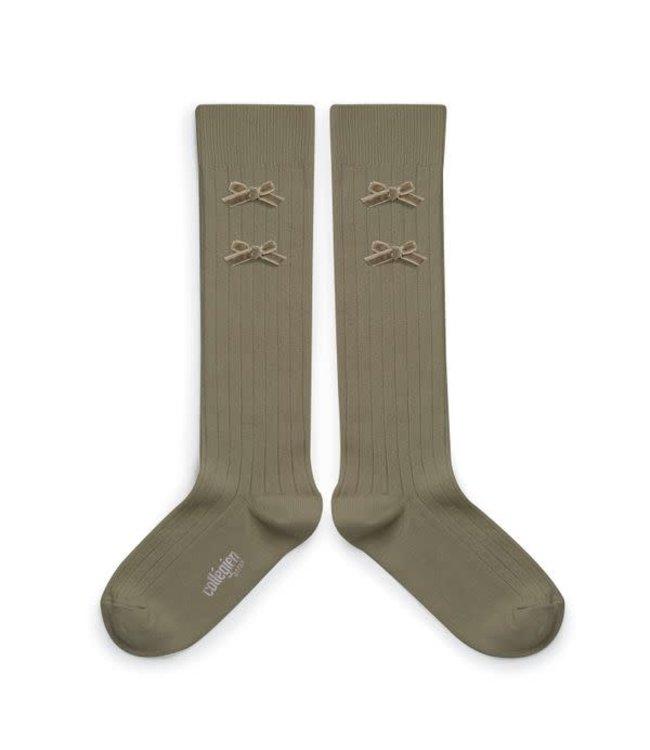 Collégien Hortense - hoge sokken met fluwelen strik - sauge