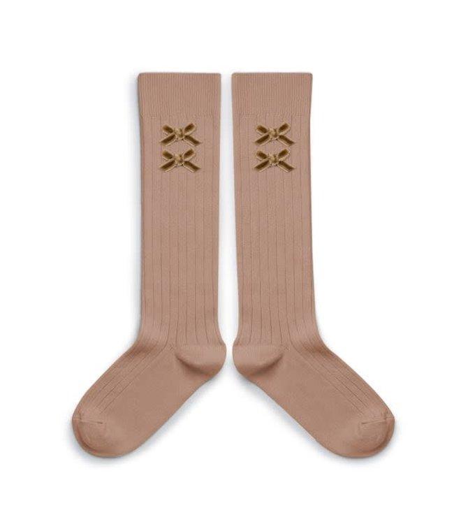 Collégien Hortense - hoge sokken met fluwelen strik - petit taupe