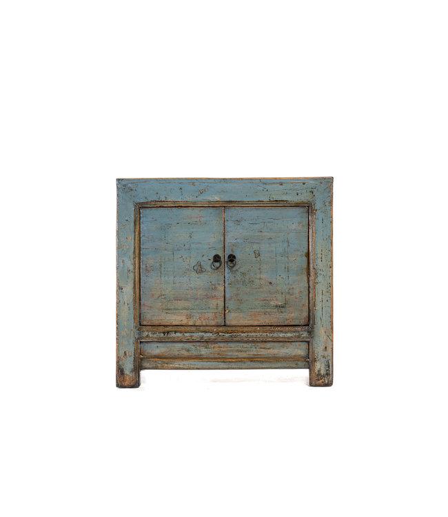 Klein blauw gelakt kastje met 2 deuren